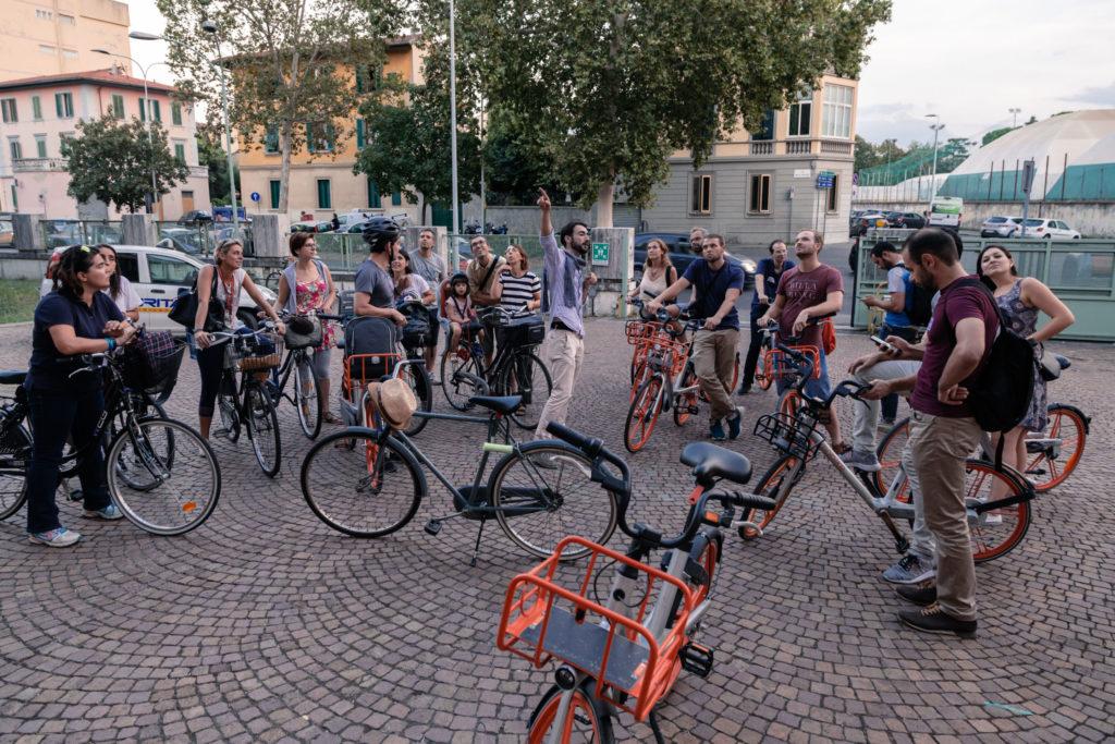 Grand tour in bici Manifattura Tabacchi entrata